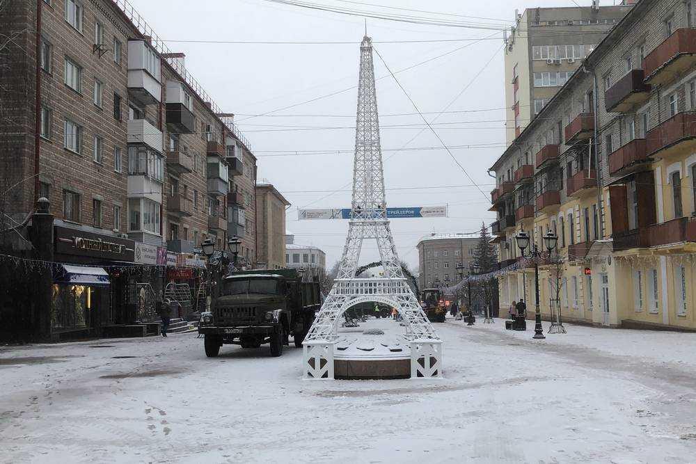 Эйфелева башня прижилась и в Брянске