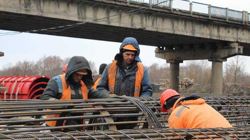 Строительство Литейного моста продолжается в Брянске