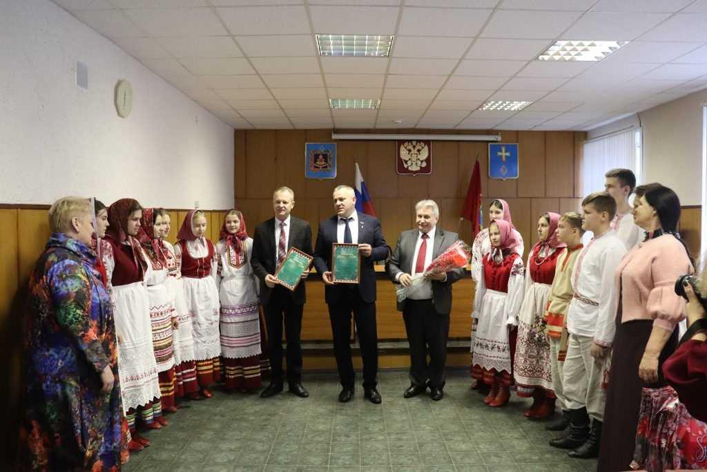 Брянские партийцы поздравили коллектив «Ручеек» с победой на международном конкурсе