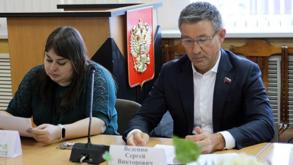 В Брянске утвердили цены на платные услуги в образовании и культуре