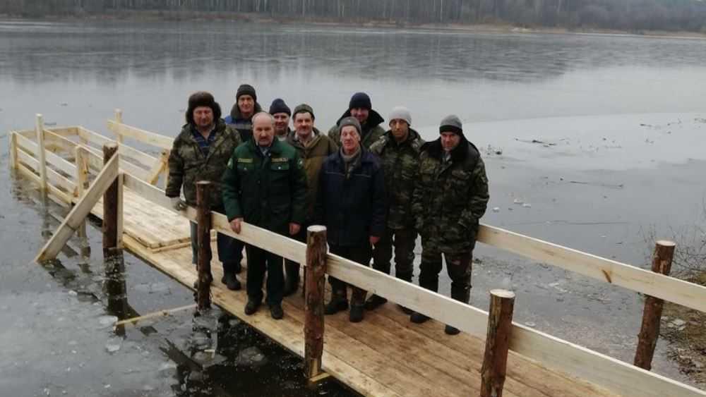 В Унече Брянской области лесники подготовили крещенскую купель