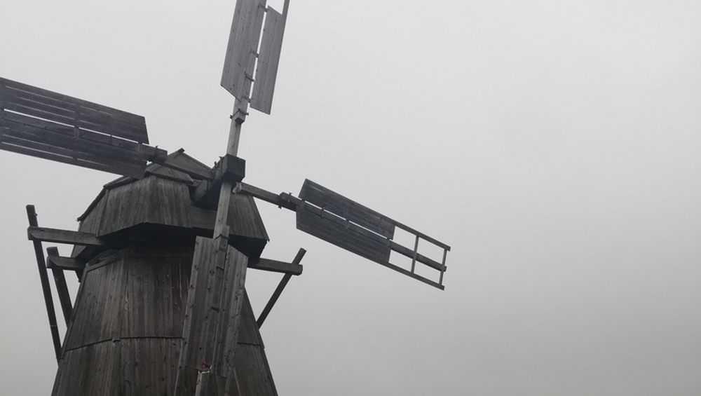 В брянском Овстуге откроют обновленную ветряную мельницу