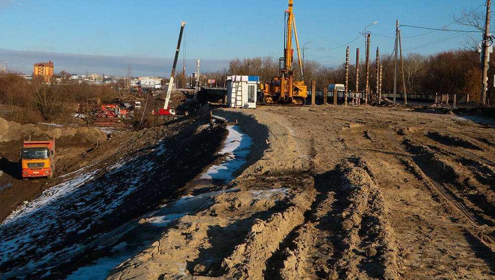 В Брянске к будущему Литейному мосту начали делать подход от Флотской