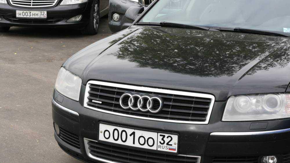 В Брянске без труда наладят продажу «красивых» номеров на машины