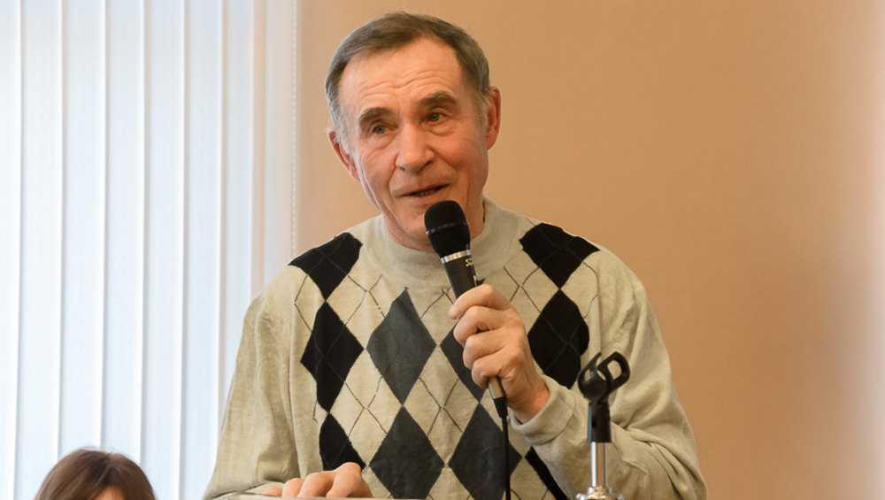 В Брянске скончался известный журналист и поэт Алексей Новицкий