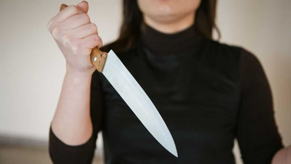 В Брянске судимая за убийство пенсионерка зарезала соседку