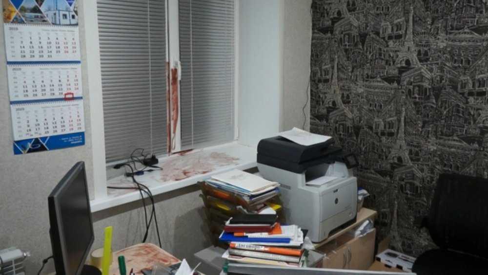 В Брянске украли деньги из офиса фирмы в жилом доме