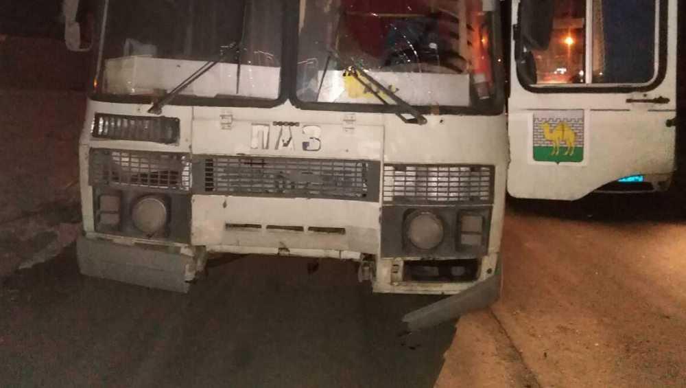 В Бытоши мужчина попал в темноте под автобус