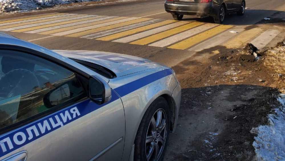 В Брянске на пешеходном переходе сбили школьницу