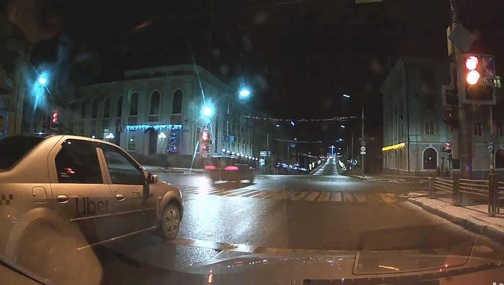 В Брянске сняли видео ночной погони ДПС за водителем-нарушителем