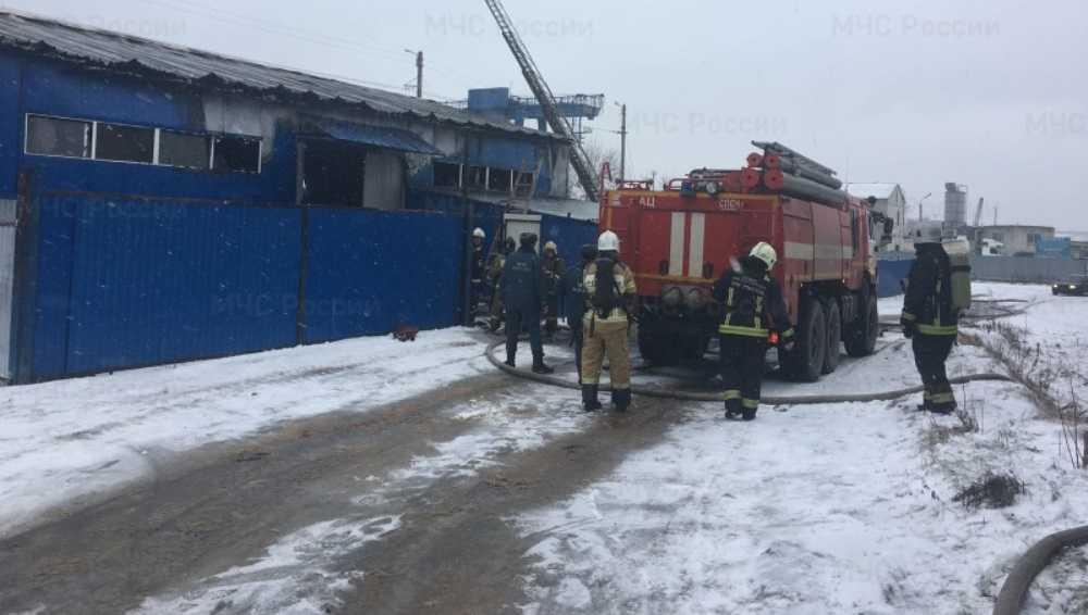 В Фокинском районе Брянска при пожаре на складе никто не пострадал