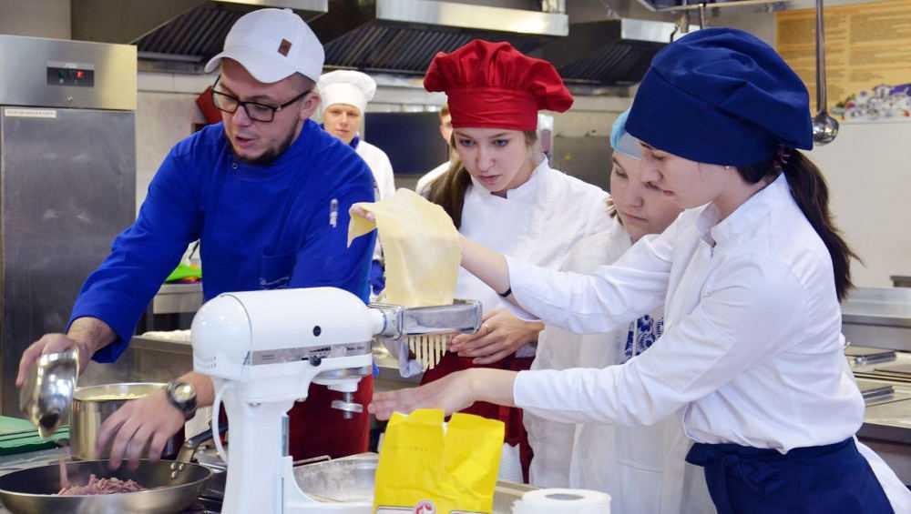 В Брянске за год открыли 20 мастерских профобразования