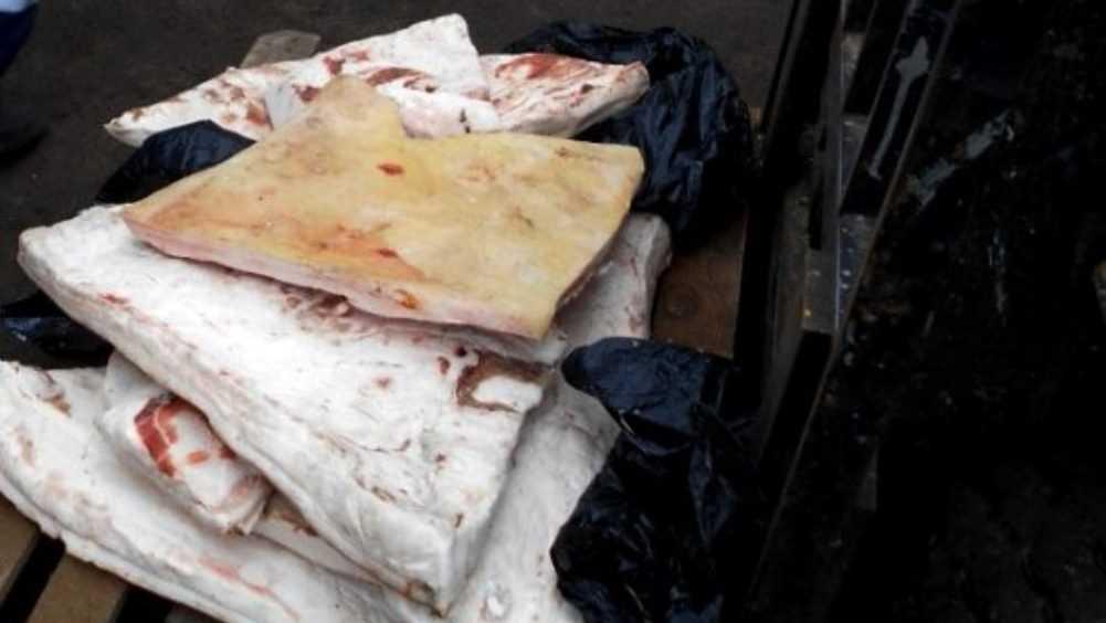 В Брянской области уничтожили 68 кг сомнительного сала