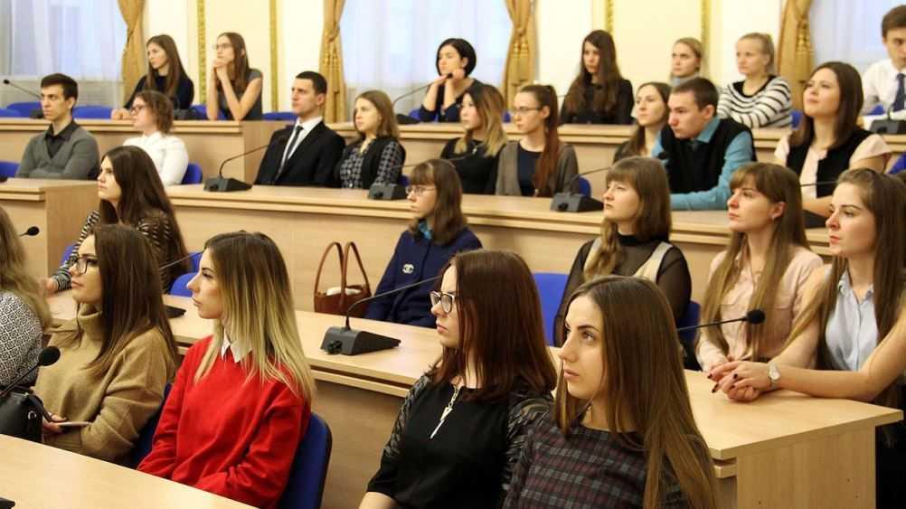 Губернатор Богомаз поздравил брянских студентов с Татьяниным днём
