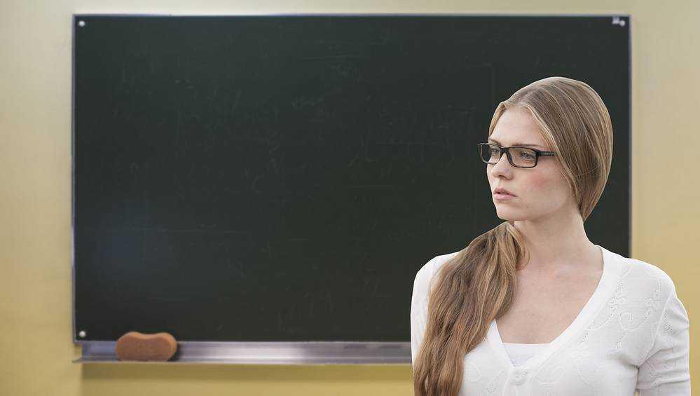 Скандал с обвиненной брянской учительницей принял невероятный оборот
