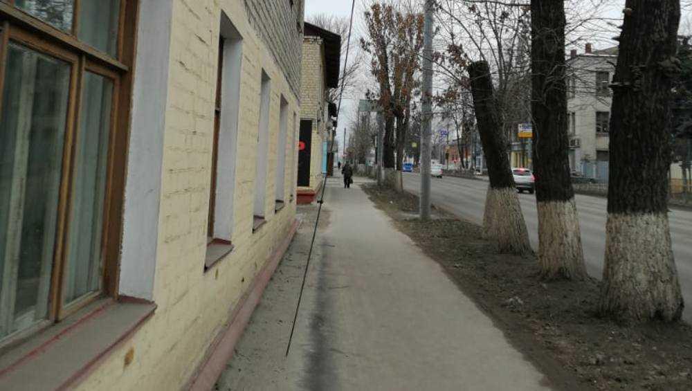 В Брянске стал опасным тротуар на проспекте Станке Димитрова