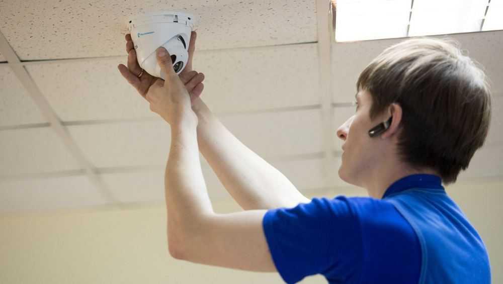В школах и вузах Брянщины установили 855 видеокамер