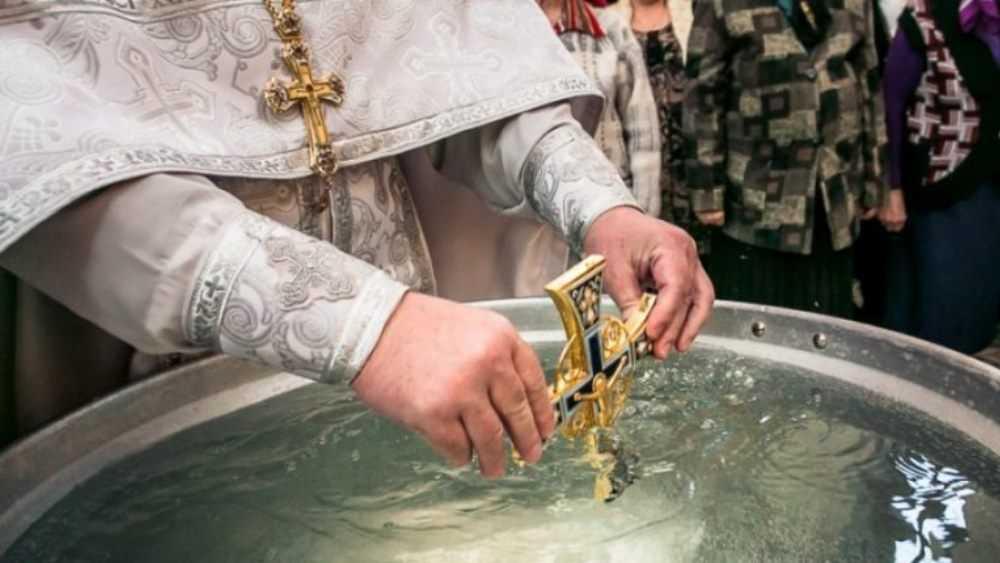 Жители Трубчевска пожаловались на нехватку крещенской воды