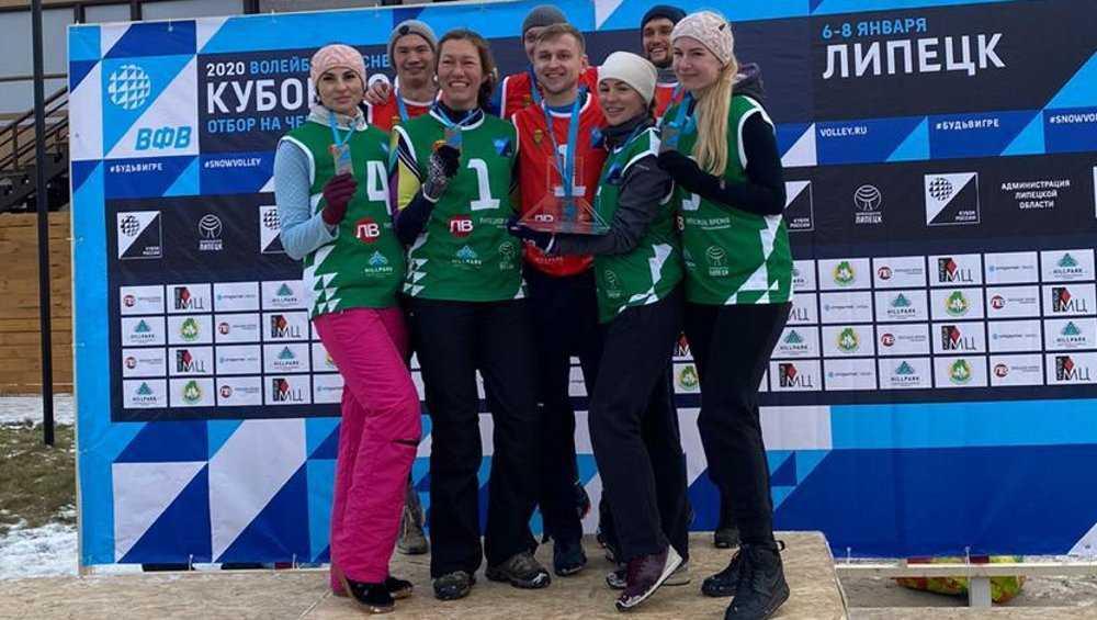 Брянские спартаковки завоевали Кубок России по снежному волейболу