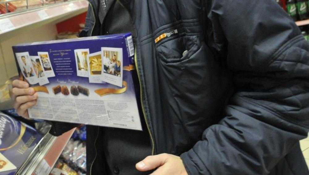 Молодой брянец попался на кражах шоколадок и конфет