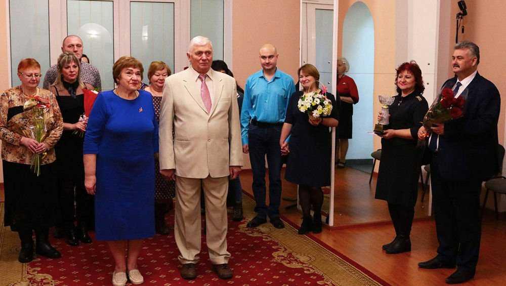 В Брянске отметили золотую свадьбу четы Захаровых