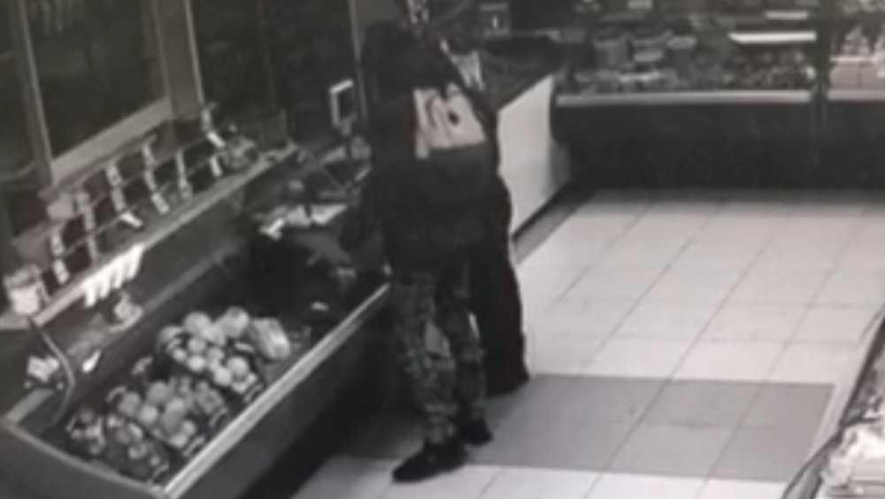 В Брянске полиция задержала подростков за кражу ящика с пожертвованиями