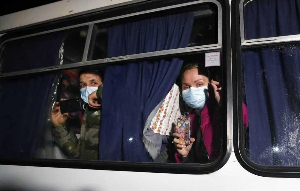 Украинцы потребовали сжечь вывезенных из Китая сограждан