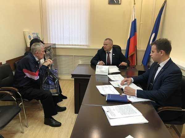 Валентин Суббот провёл приём граждан в Брянске
