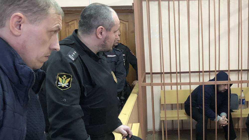 Суд над брянским полицейским Тереховым начался с душераздирающих сцен