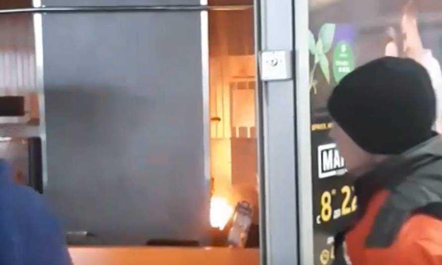 В Брянске в гипермаркете «Европа» произошел пожар