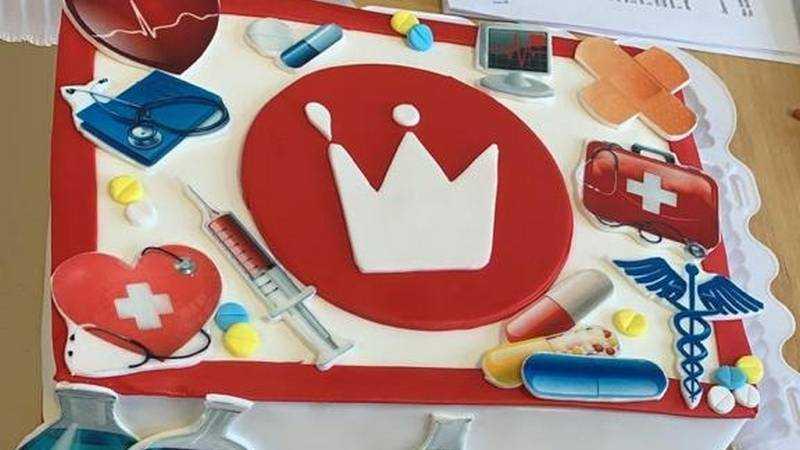 Брянским врачам пассажиры поезда Киев-Москва прислали торт