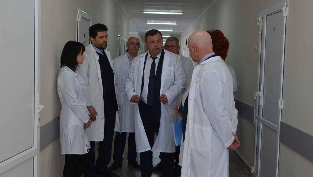 В Климове заместитель губернатора Оборотов оценил обновлённую больницу