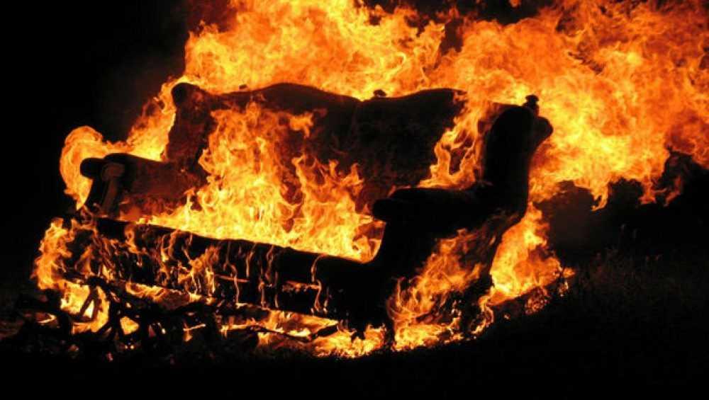 В Клинцах из-за сгоревшего дивана пострадал человек