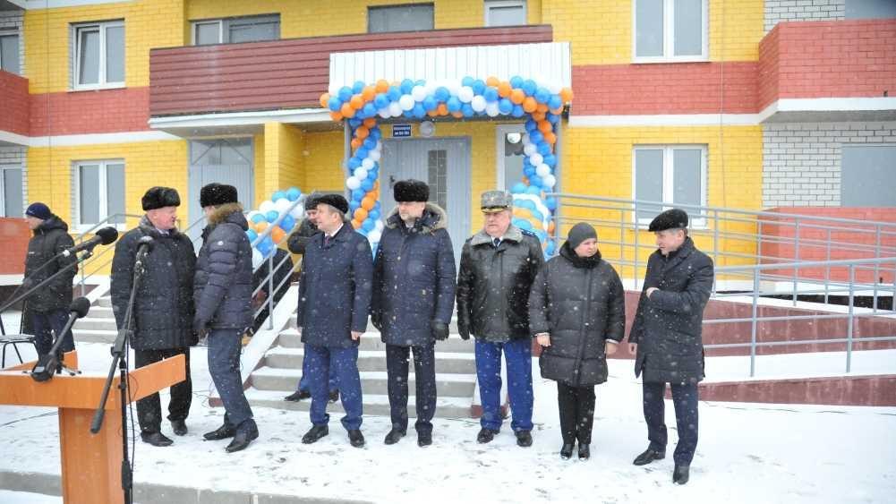 В Брянске 213 дольщиков получили ключи от квартир дома на улице Желябова