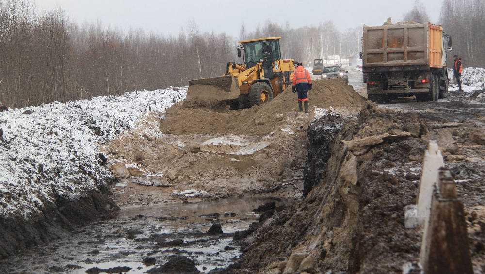 В Брянском районе начали капремонт дороги Красный Бор – Чернетово