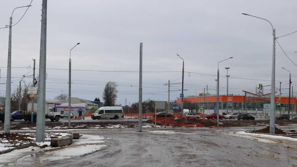 В Брянске подготовили земельное полотно для дороги на улице Советской
