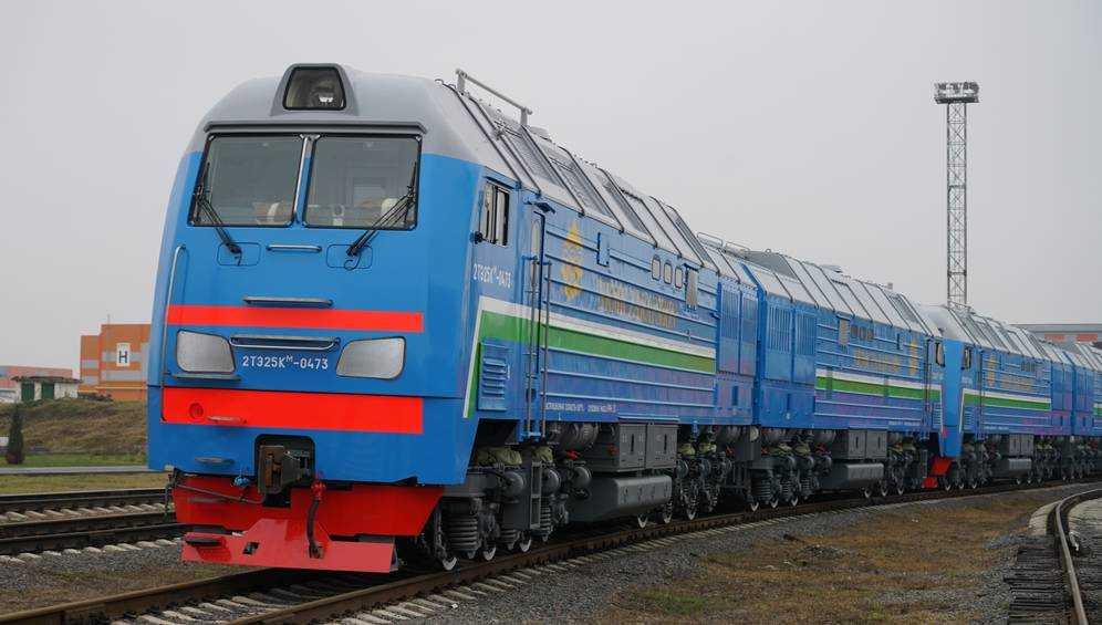 Магистральные грузовые тепловозы ТМХ начнут работать  на Навоийском ГМК в Узбекистане