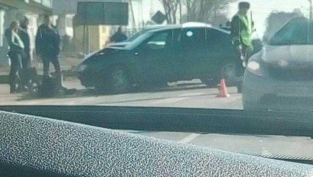 Под Брянском сняли видео серьезного ДТП с двумя автомобилями