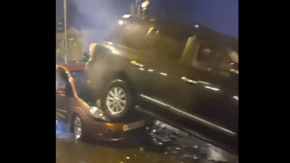 В Брянске возле «Лития» произошло массовое ДТП