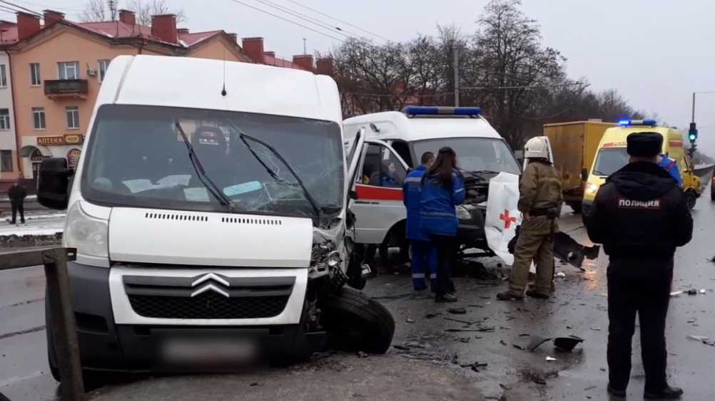 В Брянске обратились к очевидцам ДТП со скорой помощью