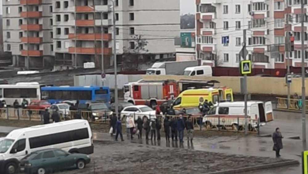 В Брянске в ДТП с 4 автомобилями пострадал человек