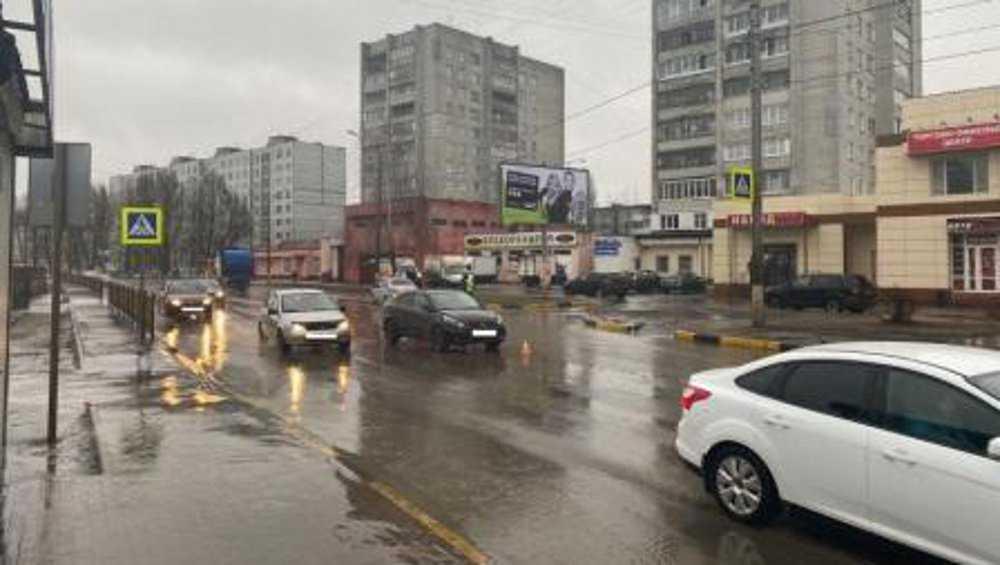 В Брянске на выходных днях автомобили сбили двух пешеходов