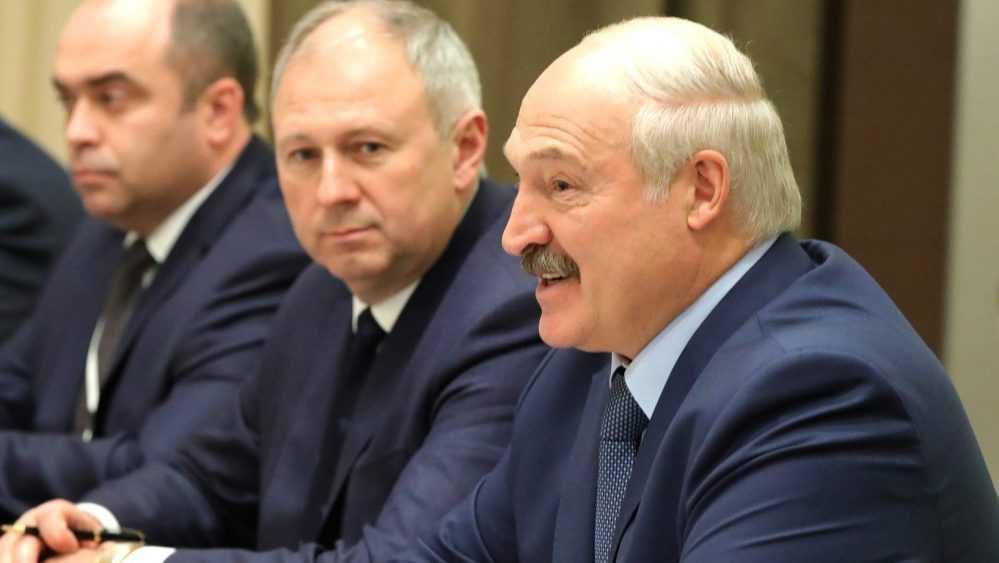Лукашенко поговорил с Зеленским о выдаче арестованных россиян