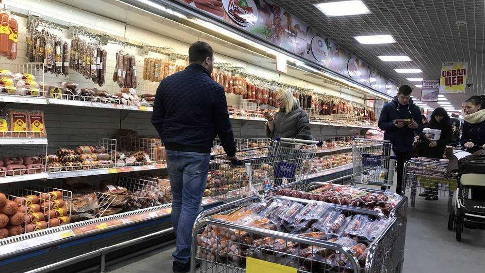 Сотрудниц брянских гипермаркетов «Линия» потрясли начавшиеся перемены