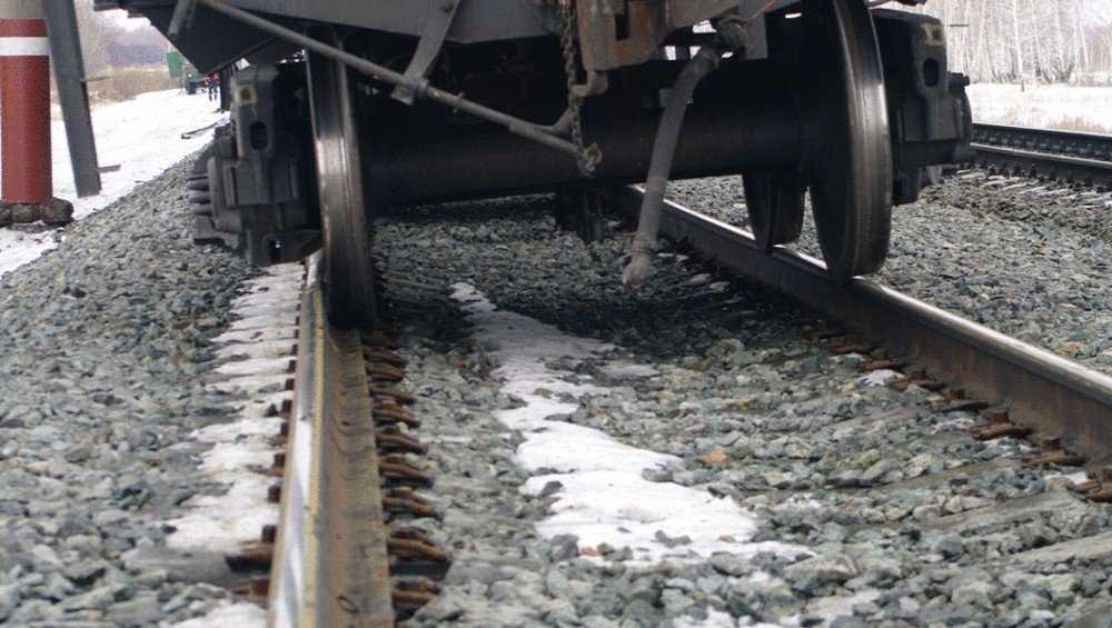 В Брянске выясняют причину схода с рельсов пустого вагона