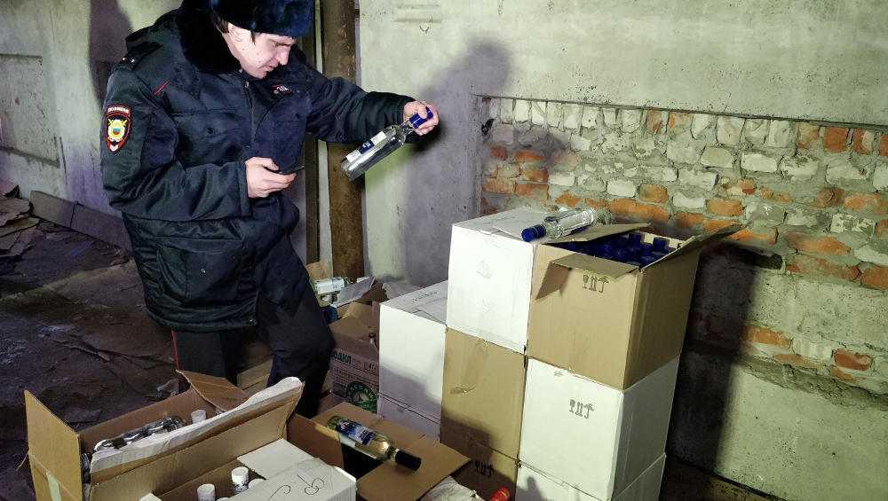 В Клинцах осудили торговца контрафактными алкоголем и сигаретами