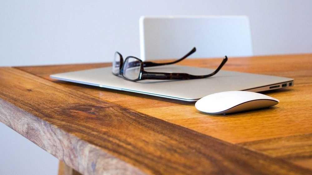 Деревянный стол из массива как оптимальный выбор
