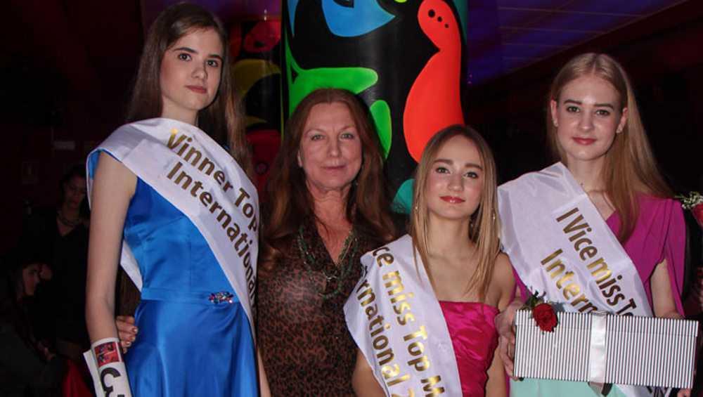 Девушки-модели брянского театра «Образ» покорили Испанию