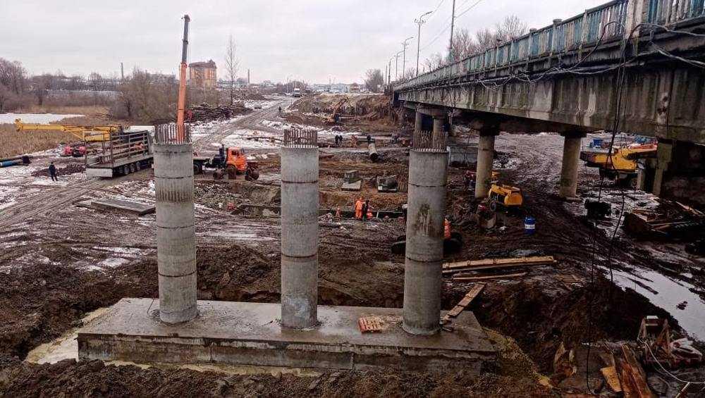 На строящемся в Брянске Литейном мосту выполнили почти треть работ