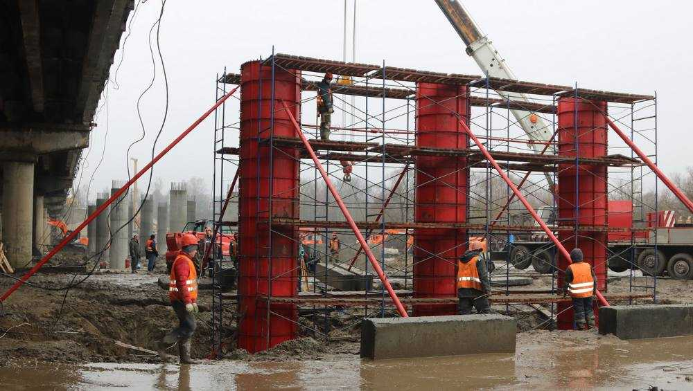 В Брянске новые сваи Литейного моста прошли проверку на прочность